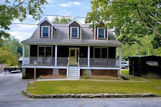 22 Clifford Court, Hingham, MA