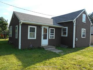 18 Railroad Avenue, East Wareham, MA